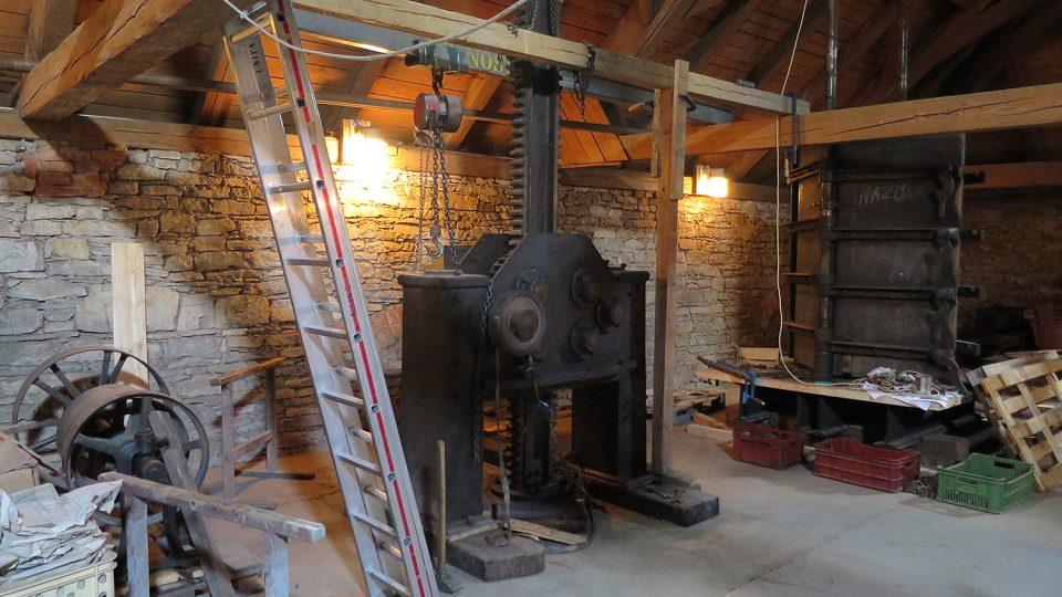 Pro návštěvnickou sezonu 2017 muzeum připravuje novou expozici Sto tun v pohybu. Dominantou bude desetimetrový lis na chmel