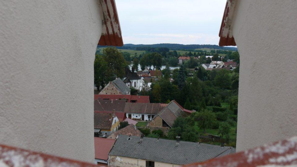 Český Rudolec z opravené zámecké věže