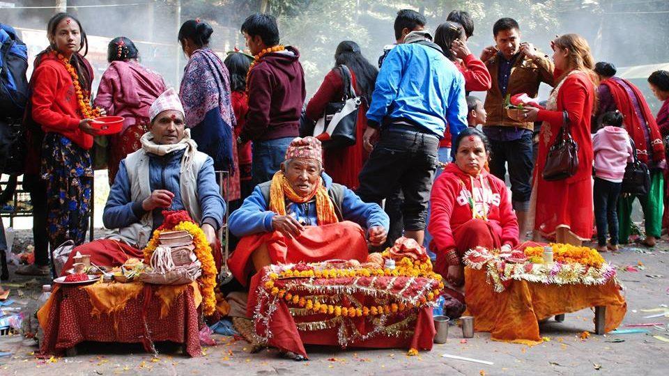 v takzvané obchodní uličce před chrámem nakoupíte obětiny