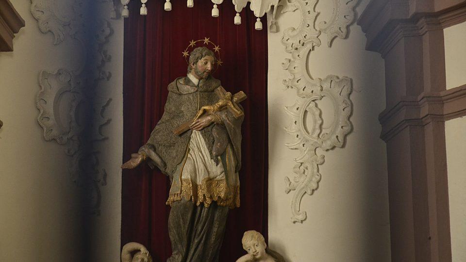 Socha Jana Nepomuckého je prý podobizna K. H. Máchy