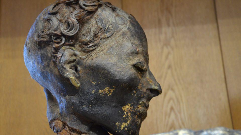 Zlacení povrchu těla zemřelých bylo v Egyptě typické v římském období