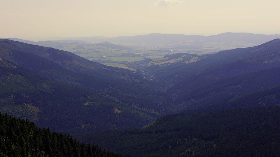Kotel řeky Moravy pod Králickým Sněžníkem. Kdysi procházela hranice jeho středem tokem řeky