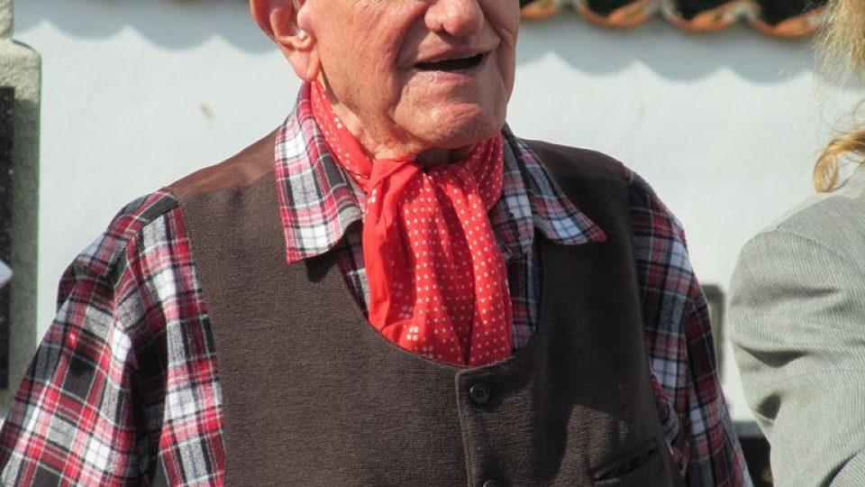 Tragédii si lidé každoročně připomínají při setkání v Besednici. Jedním za zakladatelů této tradice je nyní čtyřiadevadeátiletý Jan Komenda