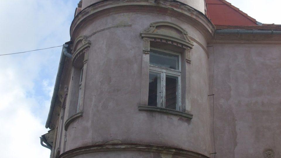 Mikulášovice ve Šluknovském výběžku na severu Čech mají sice jen málo přes 2 000 obyvatel, přesto mají svoji vlastní hvězdárnu