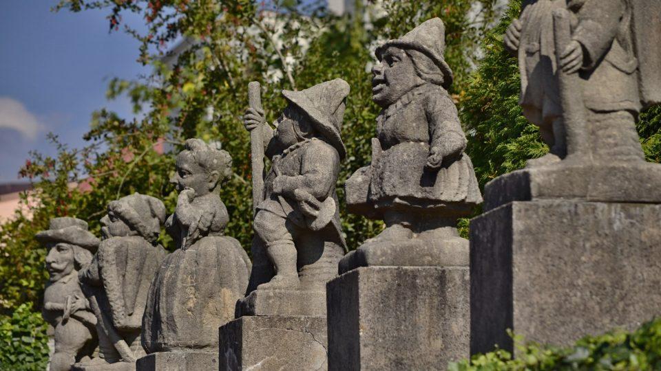 Ojedinělé sochy trpaslíků