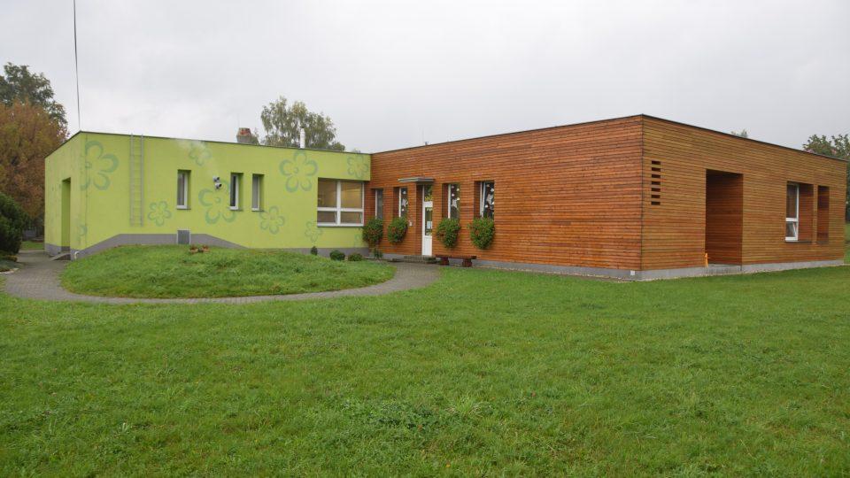 Kamil Mrva stojí za revitalizací mateřské školky v Trojanovicích