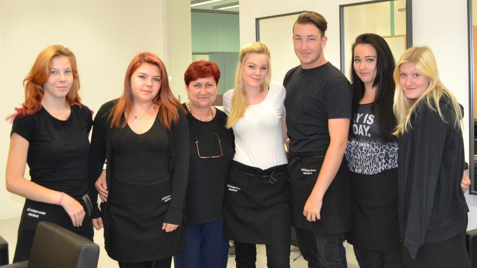 Martin Kubal se spolužačkami a učitelkou