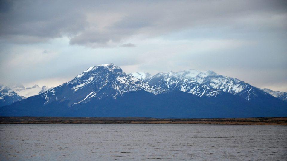 Krajina na jihu Chile vypadá nehostinně, přesto láká návštěvníky. Puerto Natales