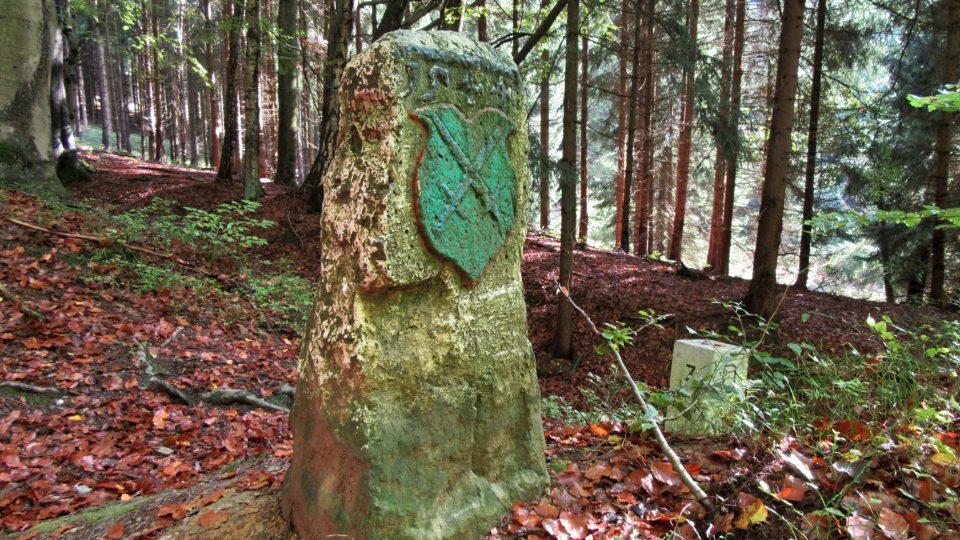 Hraniční kámen pohledem z Německa