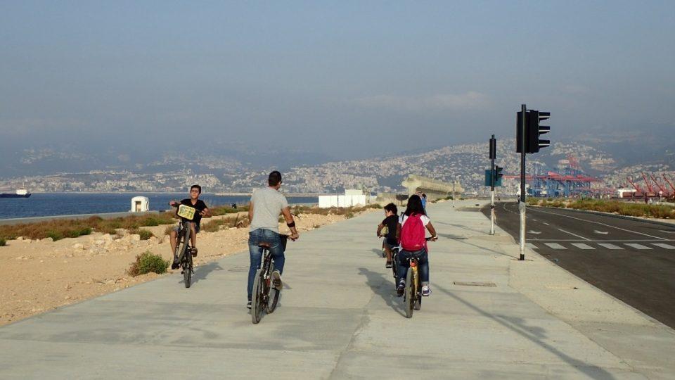 Nový úsek bejrútského nábřeží vznikl zavážkou zátoky