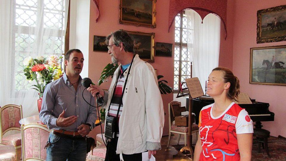 Rodem Italka a srdcem Češka Eleonora Kinsky dal Borgo spolu se svým bratrem Franceskem přivítali na zámku Karlova Koruna u Chlumce nad Cidlinou Františka Mifka
