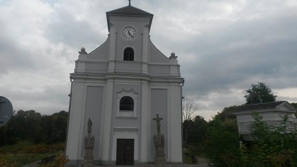 Kostel v Karviné je téměř stejně šikmý jako slavná věž v Pise