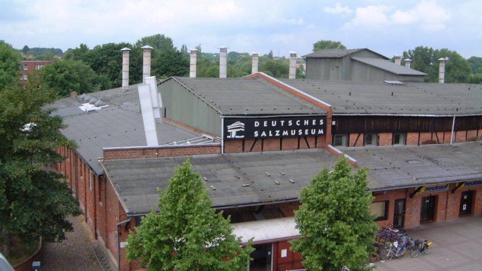 Budova muzea stojí v místě původního solivaru