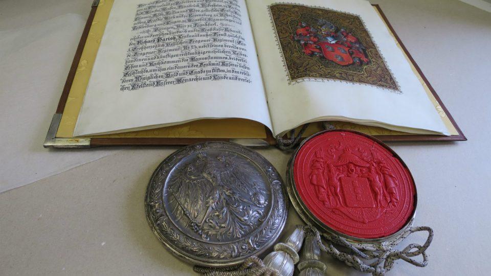 Potvrzení šlechtického titulu pro barona Richarda Parishe od pruského krále a německého císaře Vilema II z roku 1899