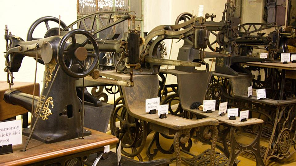 Staré šicí stroje jsou dnes už sběratelskými poklady