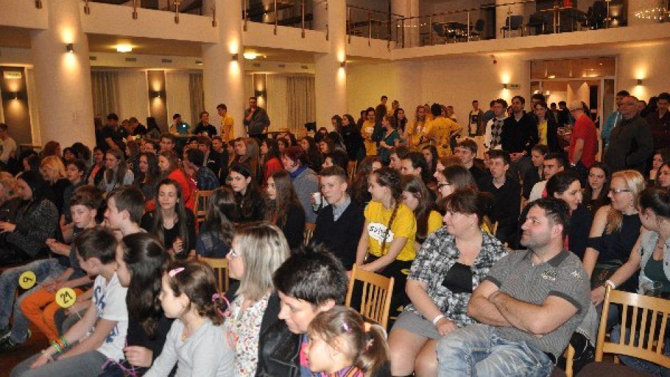 Studentský Apríles získal pro Světlušku přes 60 000 kČ
