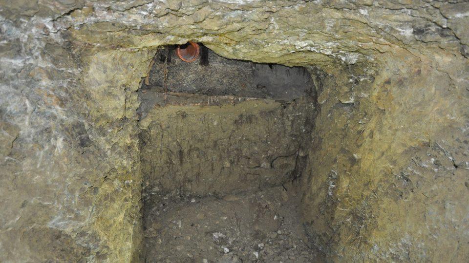 Za zpřístupněnou částí podzemí jsou možná další neobjevené prostory