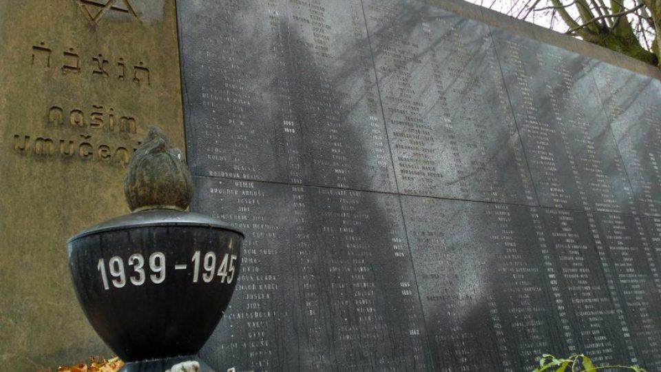 Památník obětem holocaustu na židovském hřbitově