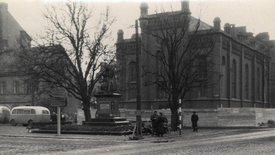 Pardubická synagoga před demolicí