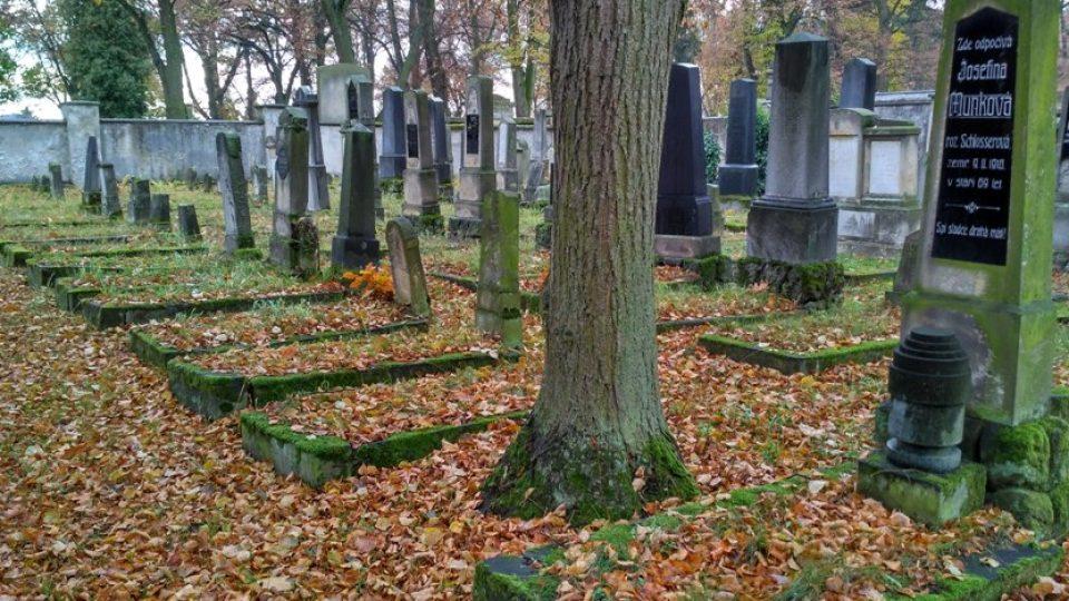 Prosté hroby patří ortodoxním Židům, uprchlíkům z Haliče