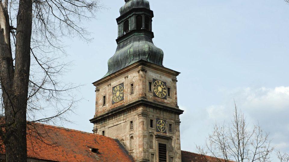 Jednou z nich je barokní hodinový stroj starý 330 let
