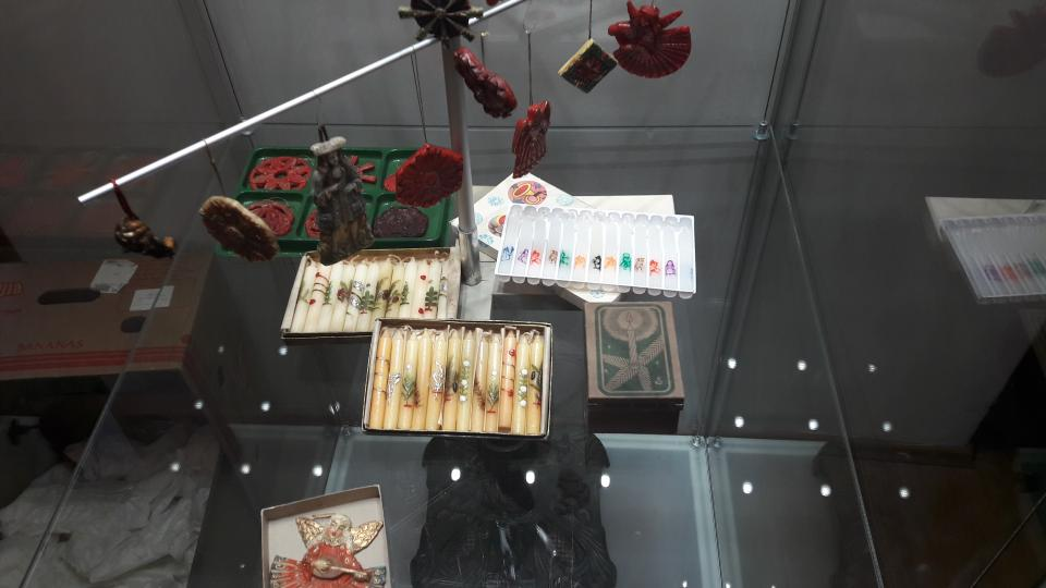 Výstava Historické vánoční ozdoby v Roztokách u Prahy