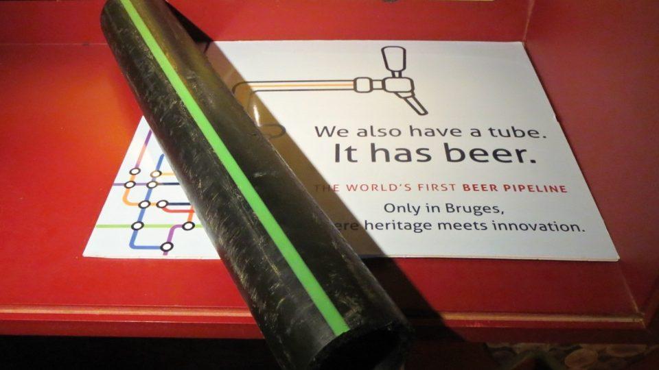 První potrubí na světě určené k přepravě piva nedávno vybudovali v Bruggách