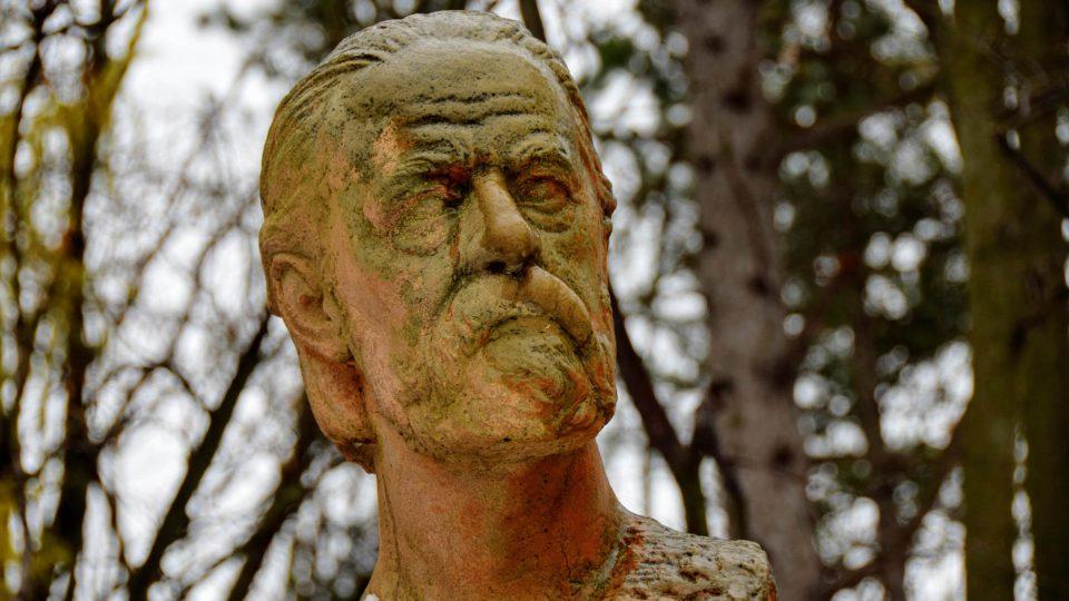 Busta Bedřicha Smetany v Národním sadu