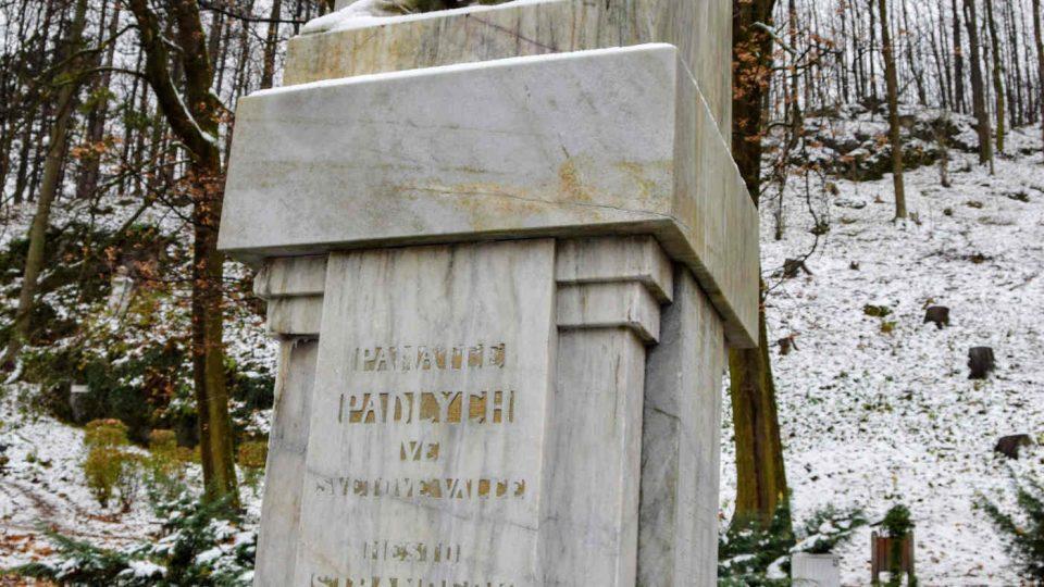Památník padlých ve Štramberku je už zčásti vyčištěný