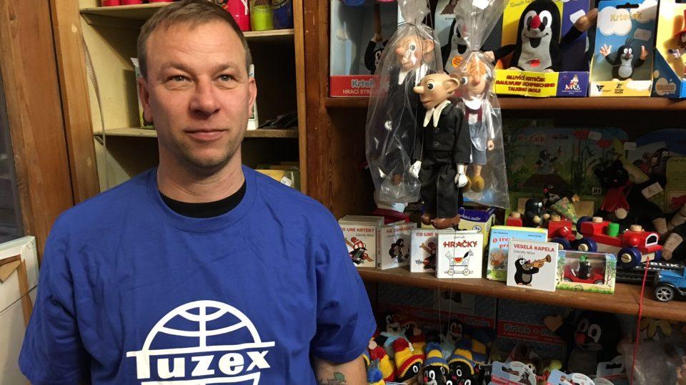 Spejbl a Hurvínek, Krteček nebo dřevěné hračky tvoří jen část sortimentu českého Tuzexu v Berlíně