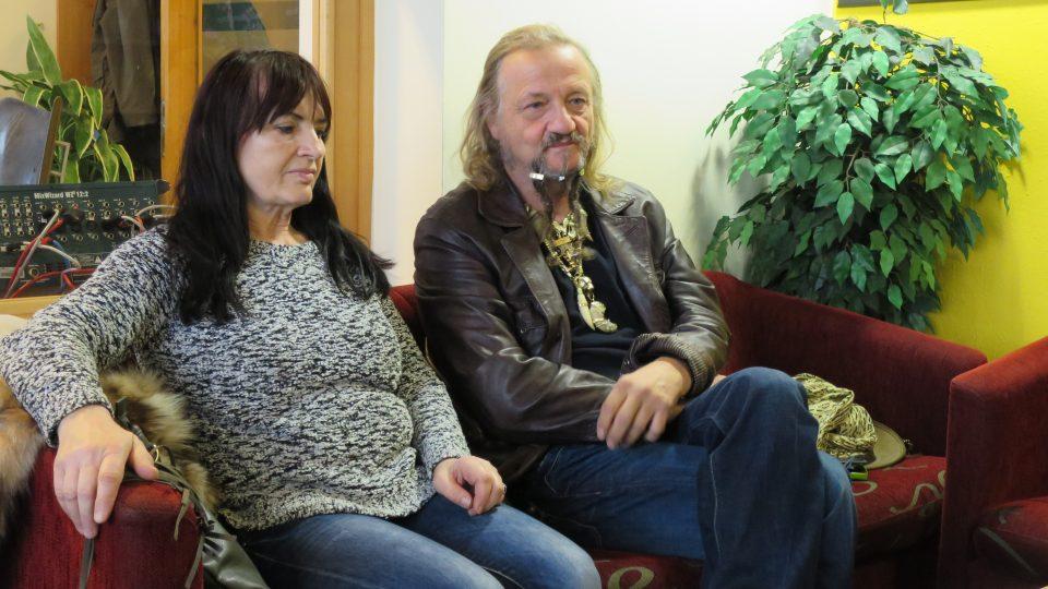Cirkusový principál Jaromír Joo v radioklubu Českého rozhlasu Hradec Králové