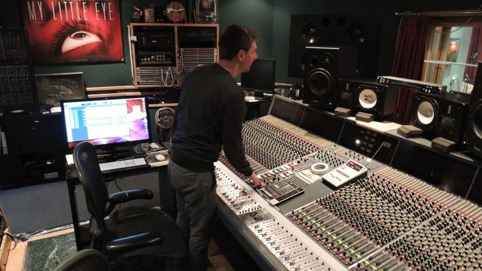 Profesionální podmínky v nahrávacím studiu děti nezaskočily