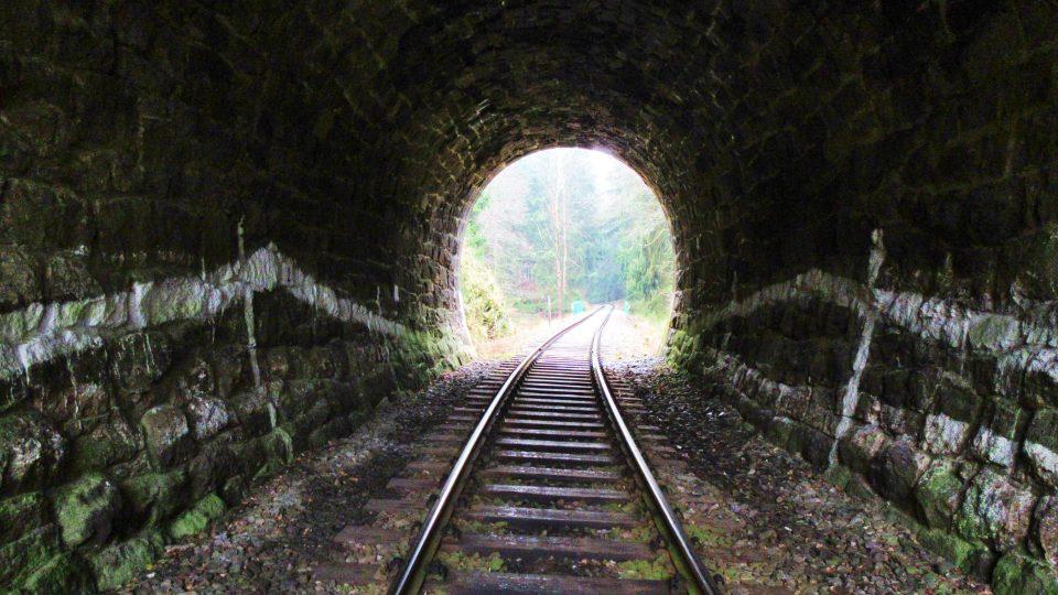 Tunel měří jen 25 metrů