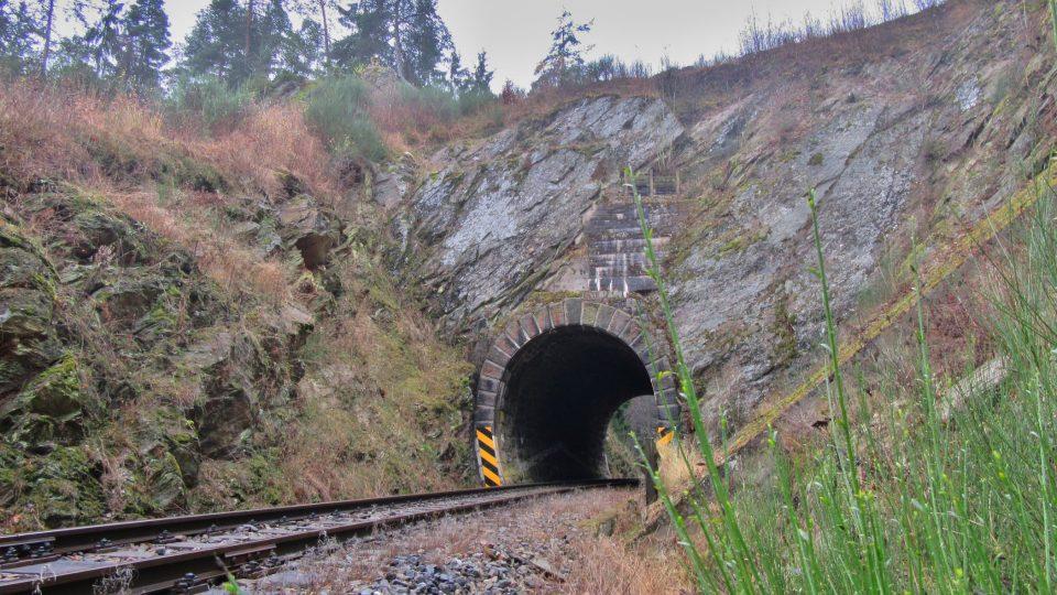 Tunel umožnil zachovat úzkou skálu