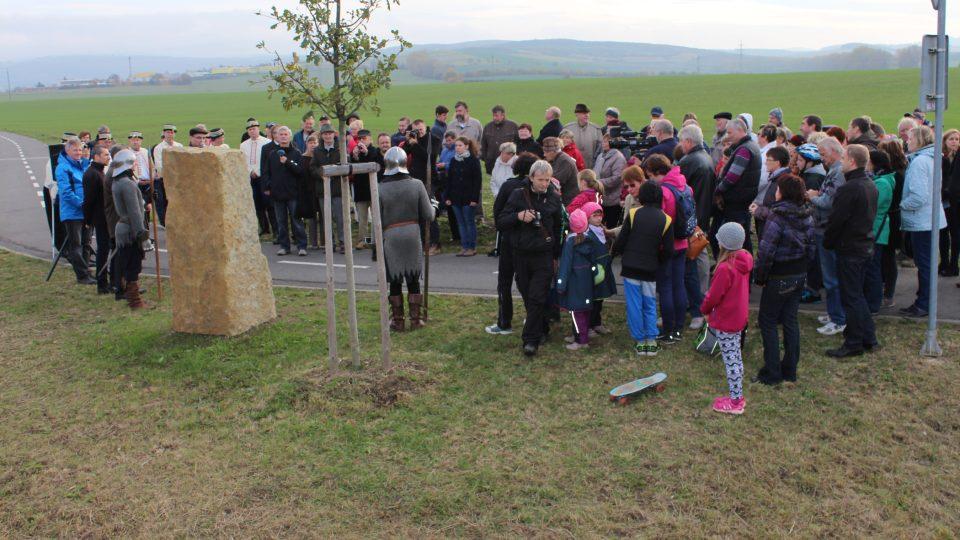 Ze slavnosti odhalení památného kamene bitvy na Luckém poli