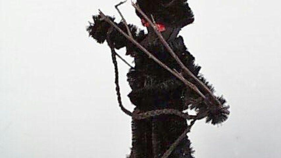 Figurka čertíka zhotovena z kožešiny. Lidová práce. Daroval Ladislav Lábek