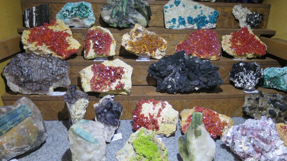 V expozici najdete na sto druhů minerálů