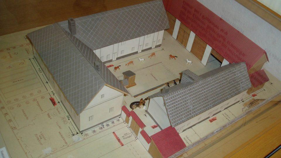 Model hospodářského dvora v Kuníně