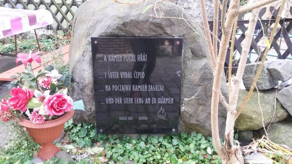 Památník na zahradě Keltičkovy kovárny