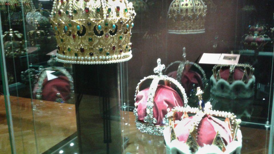 Ostravské muzeum vystavuje více než 80 unikátních replik korunovačních klenotů významných říší Evropy