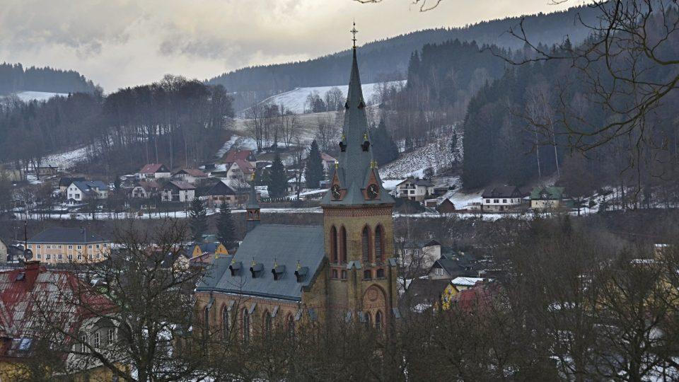 Mladší kostel Nanebevzetí Panny Marie v Horním Maršově