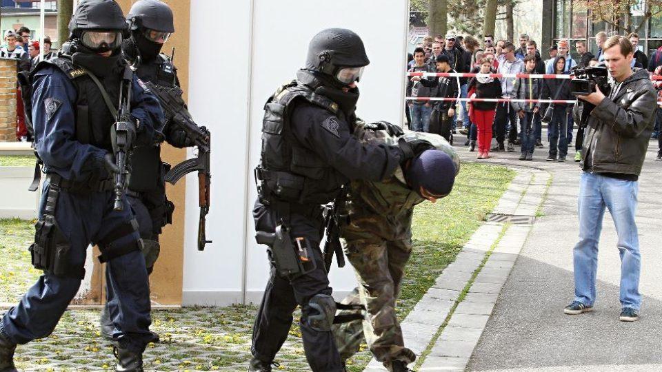Ukázka práce zásahové jednotky Policie Jihočeského kraje