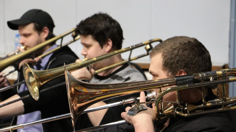 Jan Jirucha, Richard Šanda a Johannes Oppel na zkoušce Concept Art Orchestra
