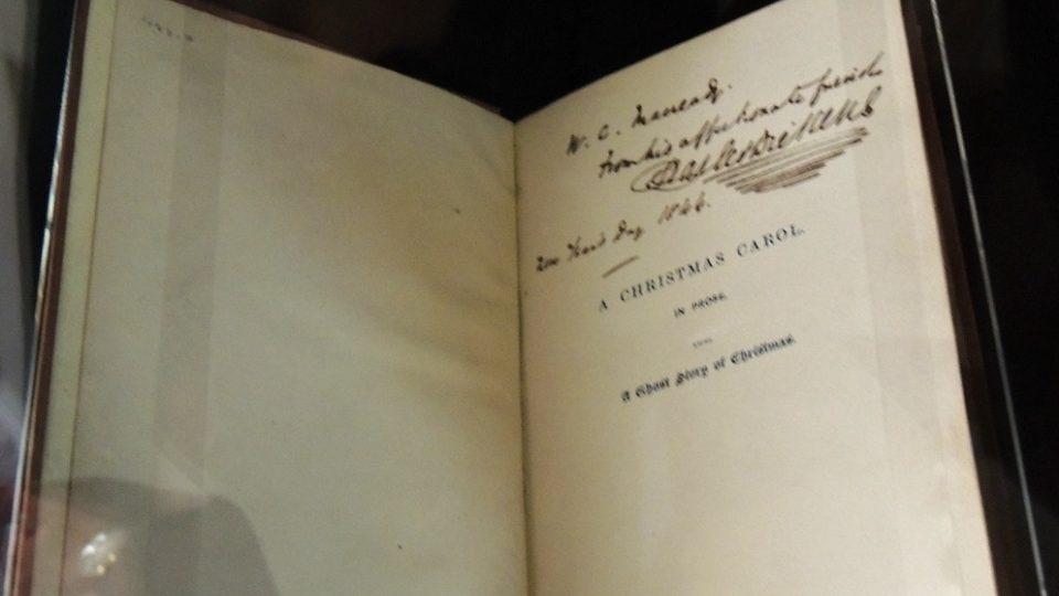 Výtisk prvního vydání Dickensovy Vánoční koledy