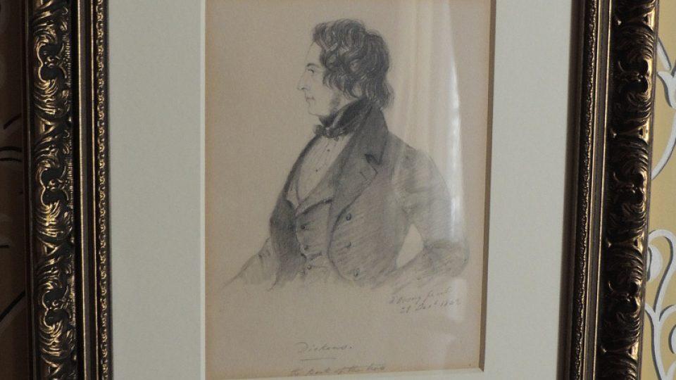 Portrét Charlese Dickense v jeho londýnském muzeu