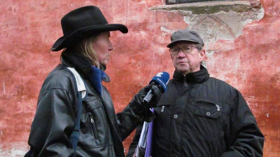 Redaktor Zdeněk Zajíček a kastelán boletického kostela Gerhard Scherhaufer