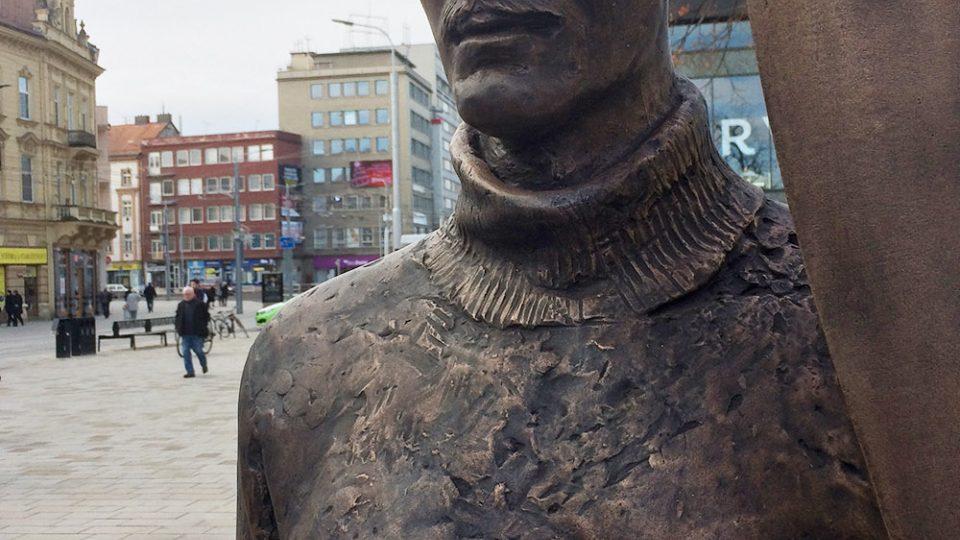 Socha Jana Kašpara má cca 2 metry