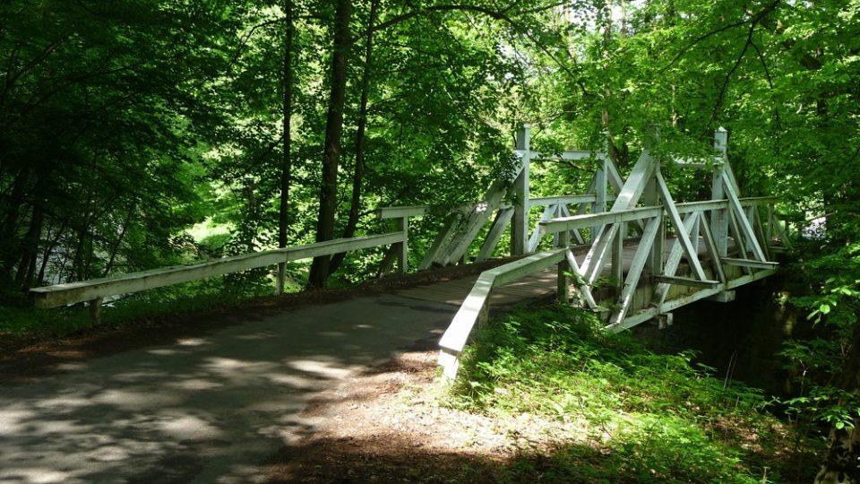 Bílý most přes řeku Úpu