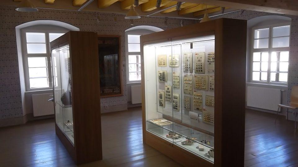 Expozice je umístěna v prvním patře muzea