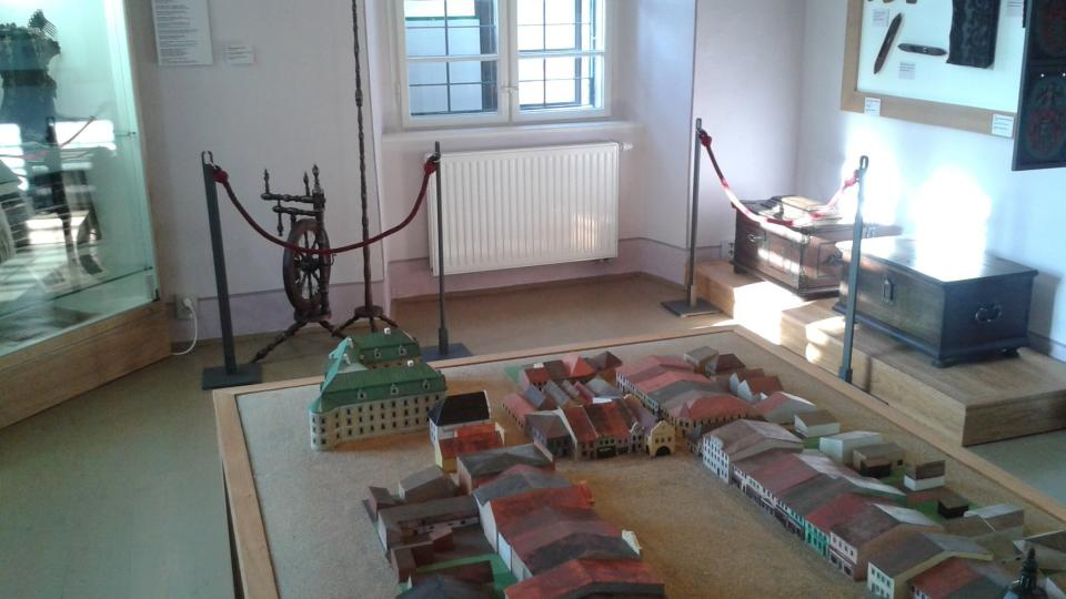 Expozice v přízemí muzea je věnovaná historii města Bílovce